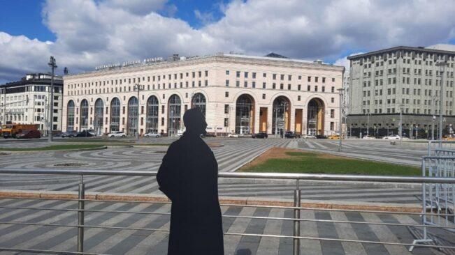 Тень Дзержинского была замечена идущей по Москве в сторону Лубянки