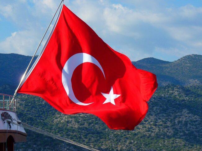 Российский «Спутник V» будут производить в Турции
