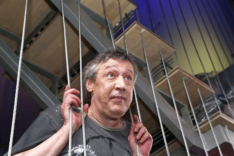 Актер Михаил Ефремов, по данным СМИ, находится в Москве под домашним арестом