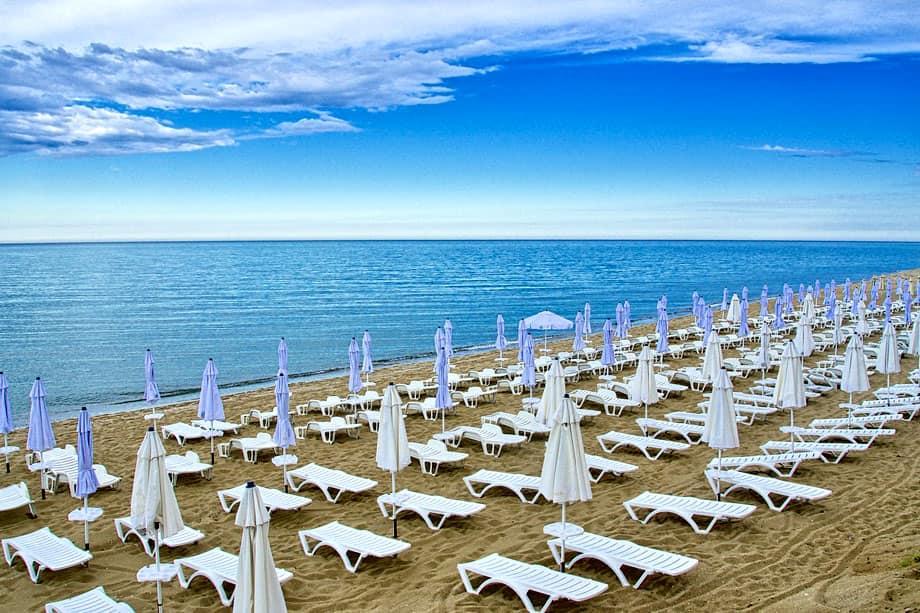Крымские каникулы. Европейские курорты так и не открылись