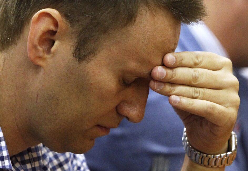 «Теперь диалог между несистемной оппозицией и государством будет невозможен». Политолог Дмитрий Журавлев о признании структур Навального «экстремистскими организациями»