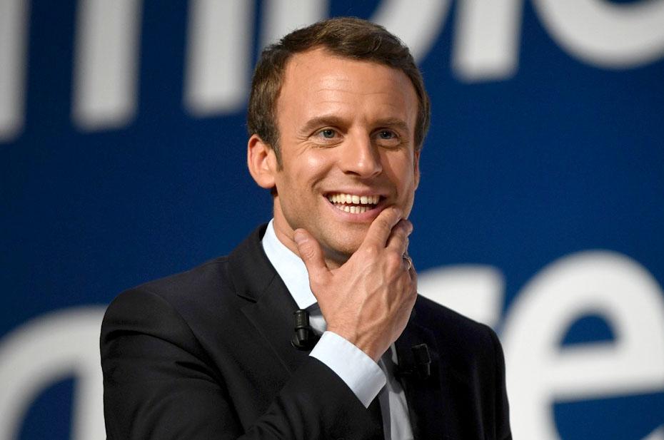 Президента Франции Макрона ударили по лицу