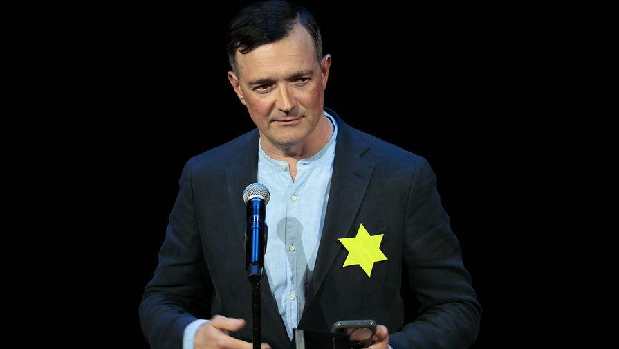 Желтые звезды Бероева. Артисты выступили против прививок, сегрегации и «фашизма» Сергея Собянина