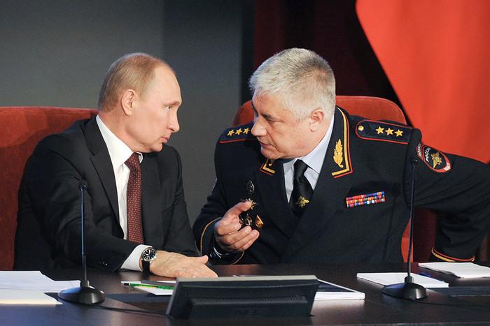 К журналистам «Проекта» пришли с обысками. Накануне они анонсировали расследование про Владимира Колокольцева