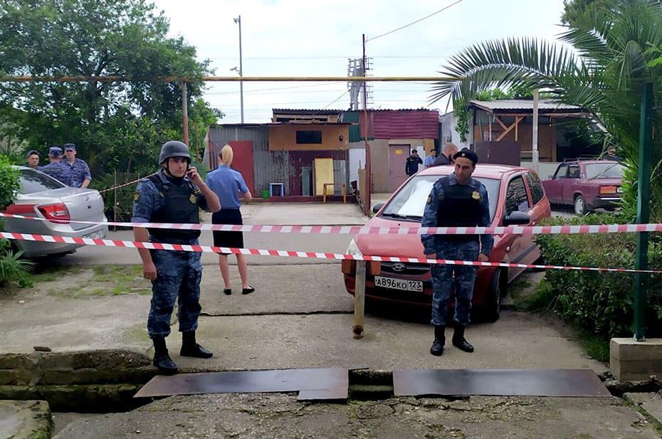 В Адлере задержали мужчину, который убил из ружья двух судебных приставов