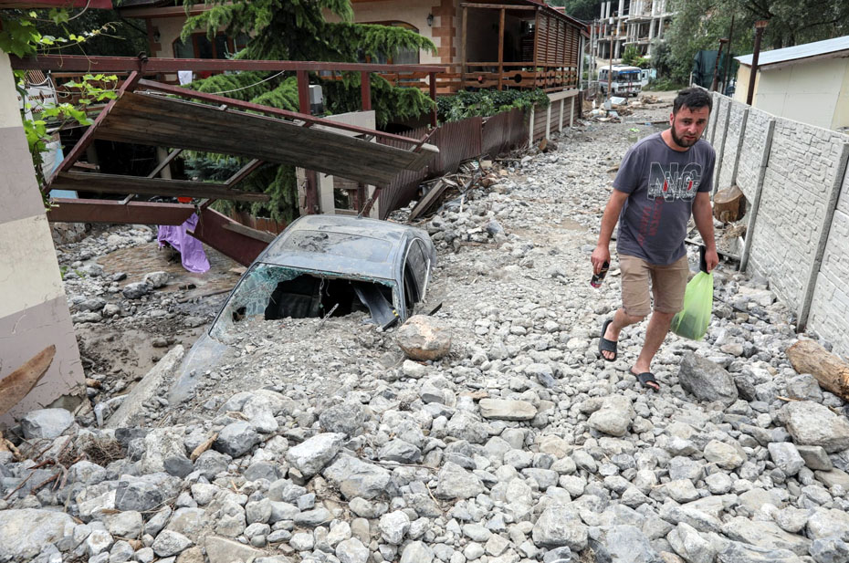Сумма ущерба от стихии в Крыму превысила 200 млн рублей