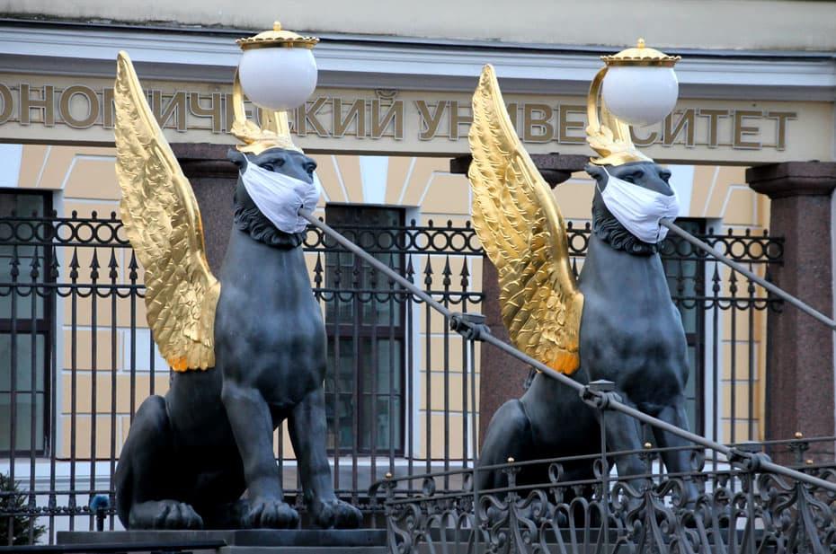 В Петербурге усилят ограничения из-за коронавируса