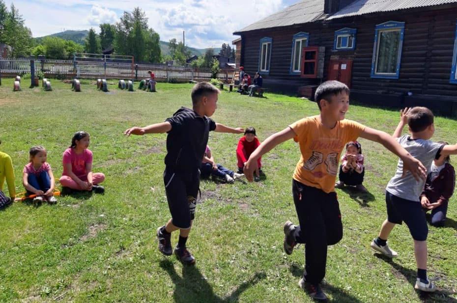 Из-за коронавируса в Туве закрыли детские лагеря