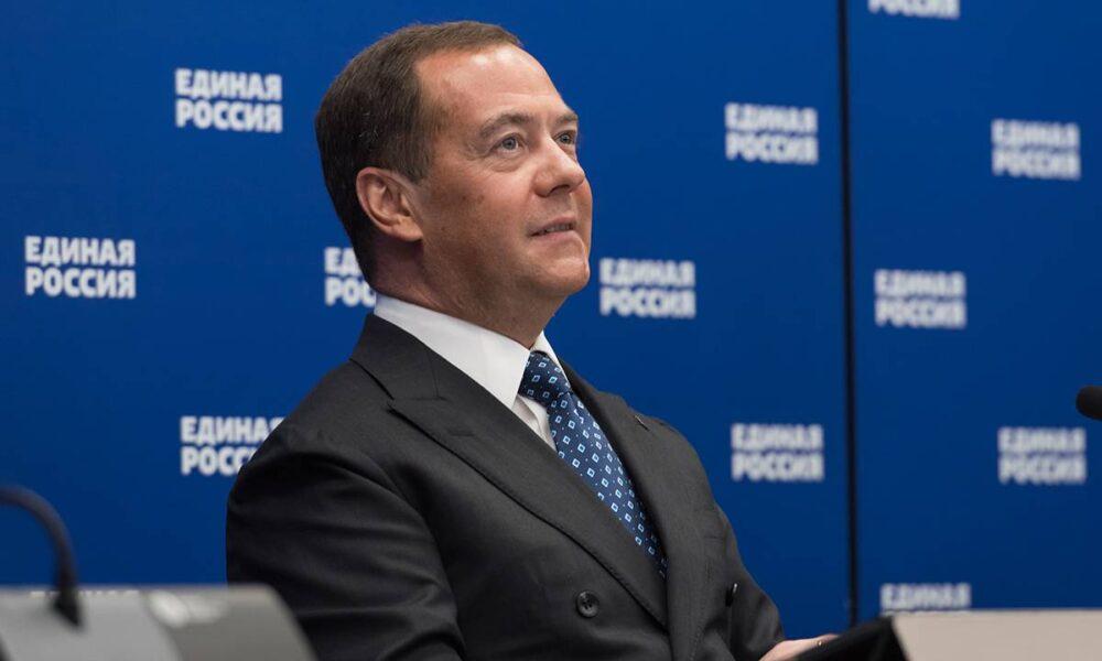 «Рокировка 2.0»: почему Медведев может не только не возглавить партсписок «Единой России», но и вообще уйти с поста председателя партии