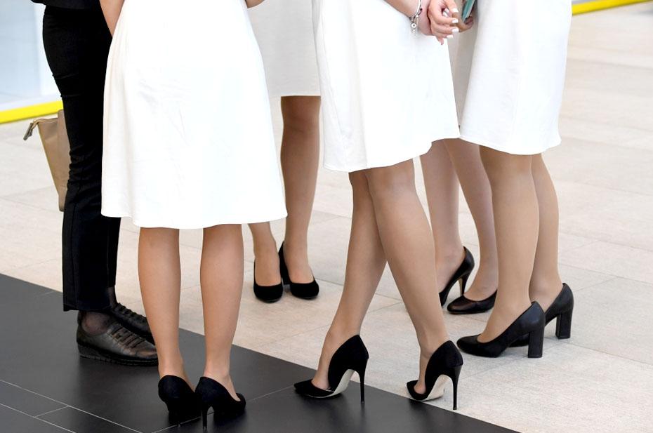 ПМЭФ: Красивые девушки как признак восстановления деловой активности