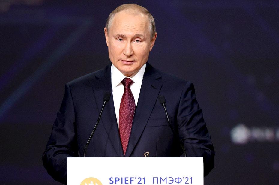 Два часа назад завершили укладку первой нитки газопровода «Северный поток – 2» – Путин