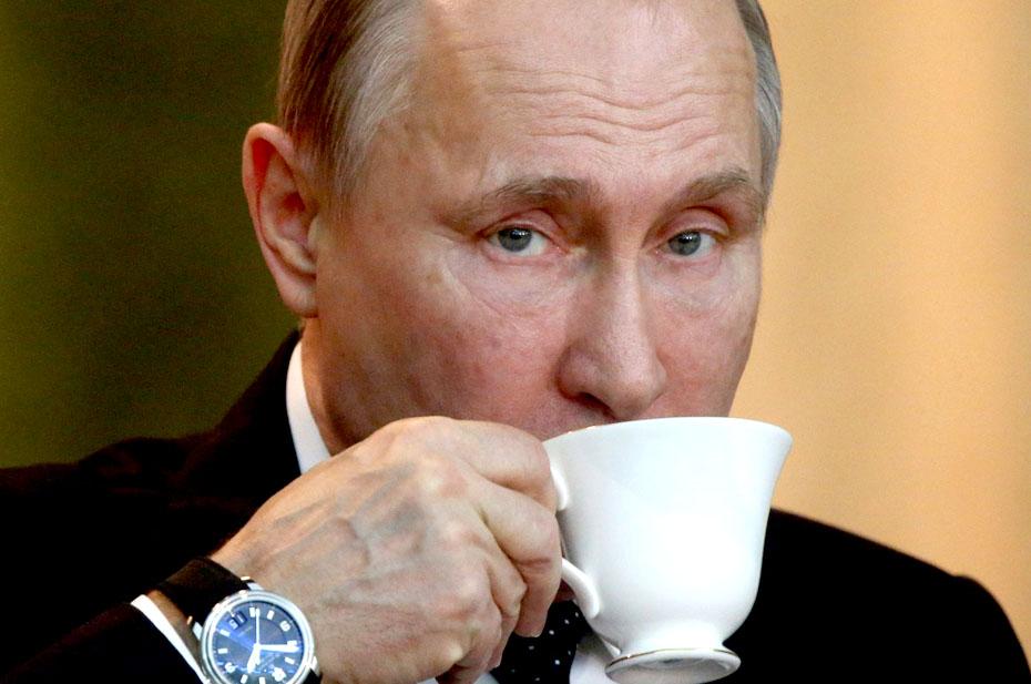 Путин заявил, что российские власти очень переживают из-за падения доходов населения