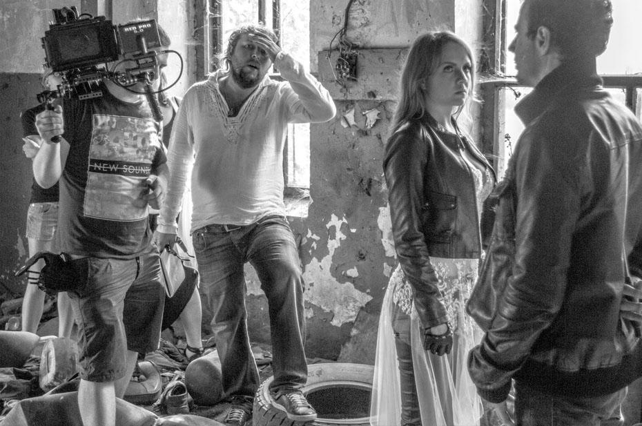 После заражения коронавирусом умер режиссер клипов певицы МакSим Вадим Шатров