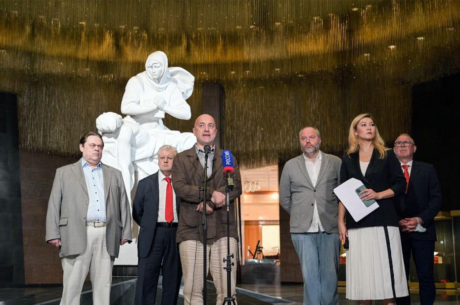 Захар Прилепин: «Тысячелетняя история советских народов была направлена на то, чтобы однажды победить самое чудовищное мировое зло»