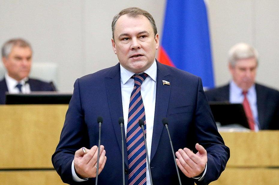 Как, не будучи членом «Единой России», возглавить московское отделение партии?
