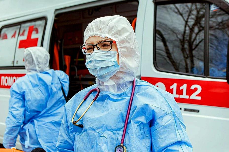 «Дожать, додавить эту заразу». Что власти говорили о победе над коронавирусом год назад