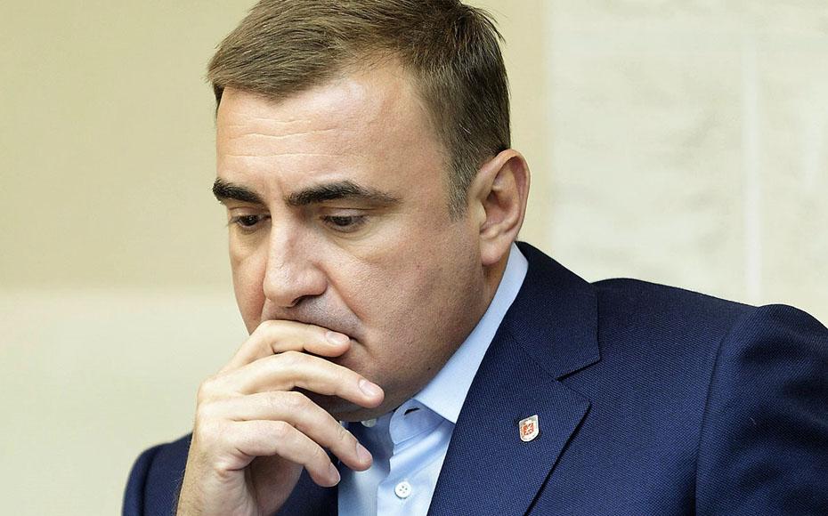 Один из предполагаемых преемников Путина пока останется на губернаторском посту