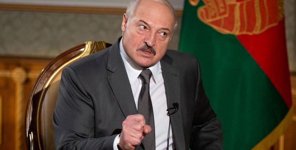 Против Лукашенко готовят коллективный иск от пассажиров рейса Ryanair