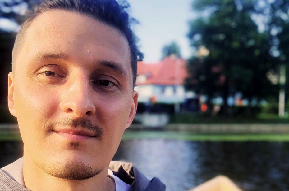 Бывшего режиссера ютуб-канала «Навальный LIVE» Алексея Яковлева задержали в аэропорту Шереметьево