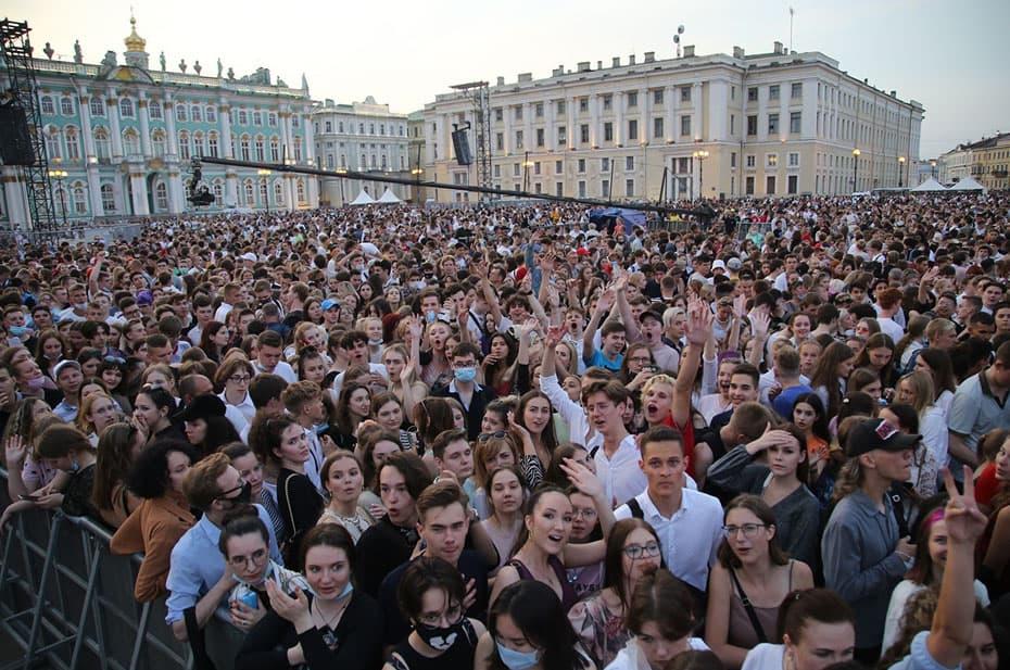 Петербургские власти заявили, что «Алые паруса» не вызвали рост заболеваемости ковидом