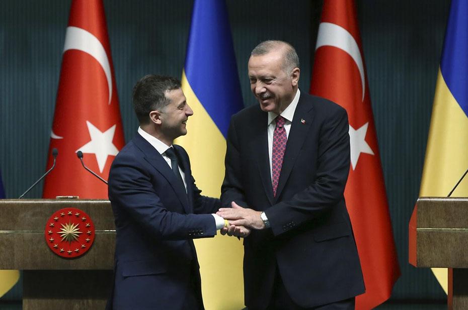 В Турции считают, что России надо смириться с поставками оружия на Украину