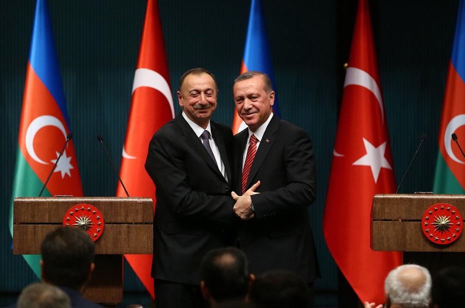 Турция и Азербайджан создают совместную армию. Это реальная угроза для России