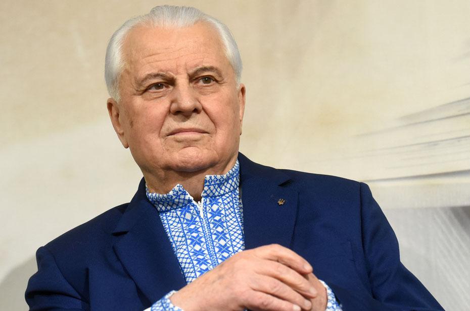 Леонида Кравчука подключили к аппарату ИВЛ