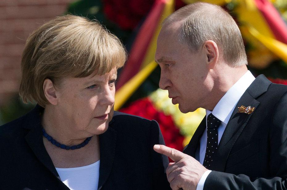 Владимир Путин обсудил дискриминацию русских на Украине с Ангелой Меркель