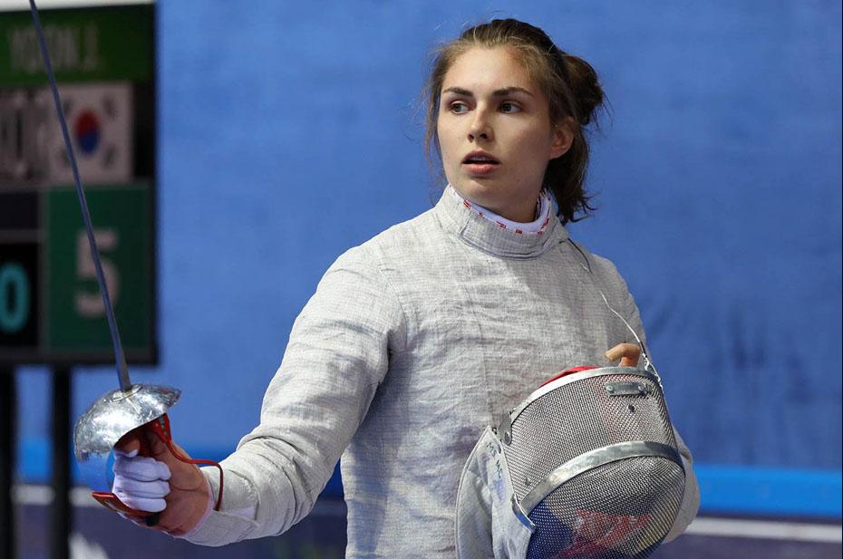 София Позднякова завоевала золото Олимпийских игр в фехтовании на саблях