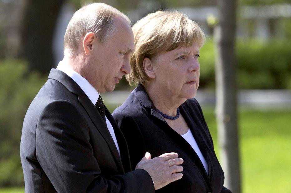 Путин направил соболезнования Меркель из-за наводнения в Германии