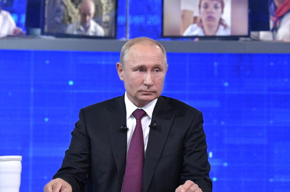 Путин рекомендовал губернаторам проводить прямые линии с населением