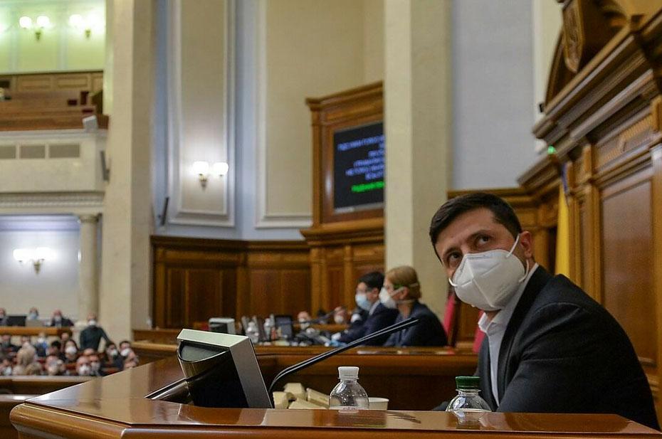 Политолог раскритиковал законопроект, предусматривающий лишение украинского гражданстваза получение паспорта РФ