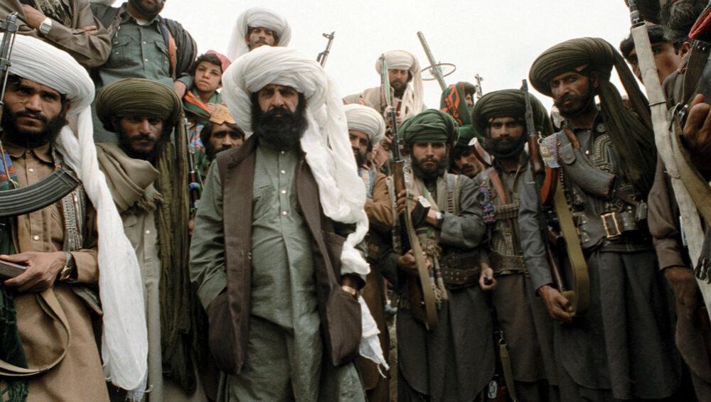«Талибан»* запретил вывозить из Афганистана антиквариат и доллары