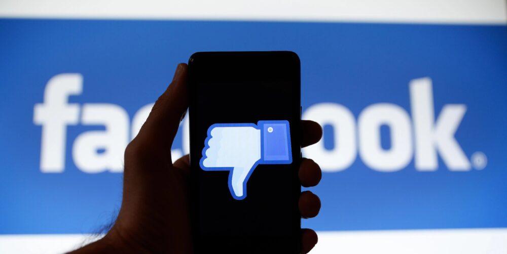 Знамя победы, герои Донбасса и рецепты голубцов – все это оскорбительно. Facebook блокирует популярные аккаунты по самым абсурдным причинам