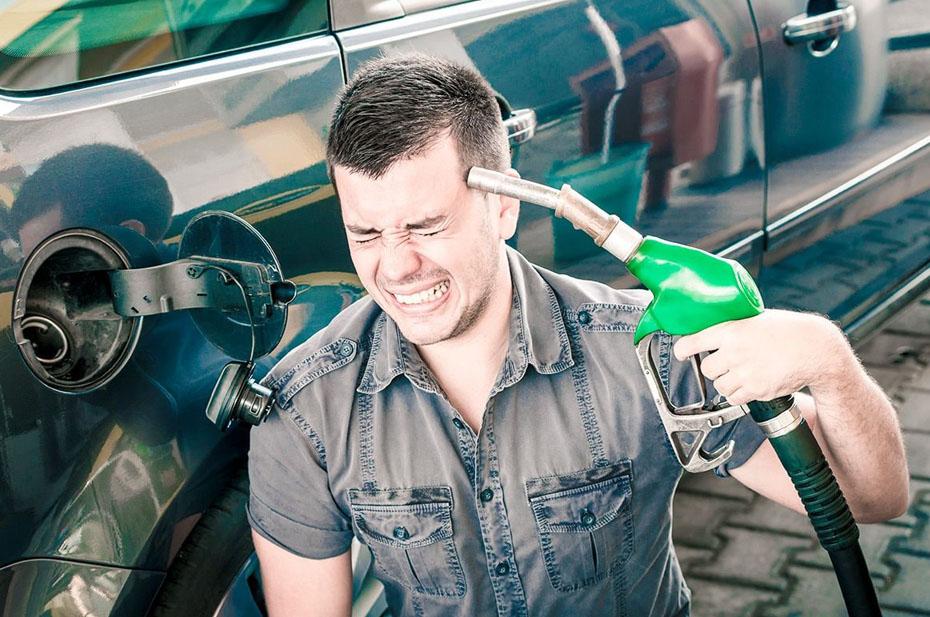 В правительстве отказались реализовывать меры для стабилизации цен на бензин