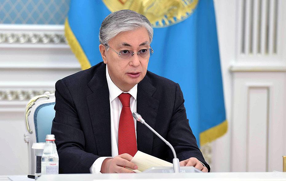В Казахстане объявили день траура. При взрывах на воинском складе погибли 13 человек