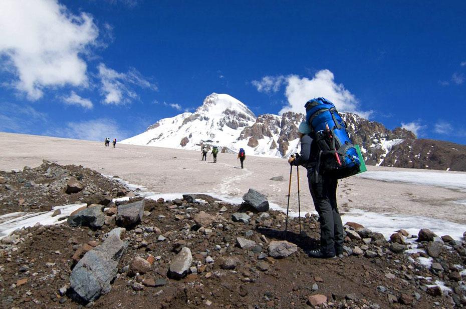 Украинские туристы попали под лавину в Северной Осетии