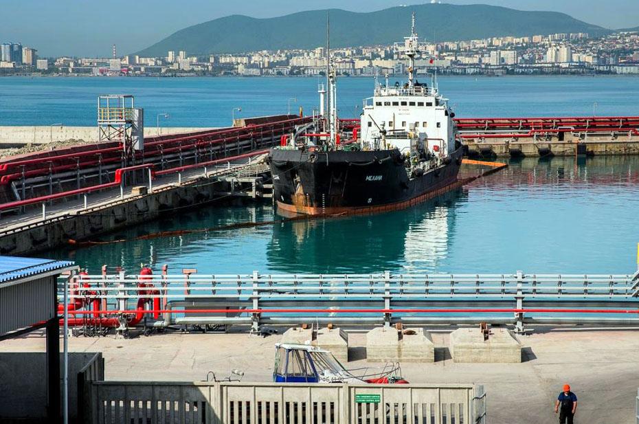 Разлив нефтепродуктов в Чёрном море оказался в 400 тысяч раз масштабнее