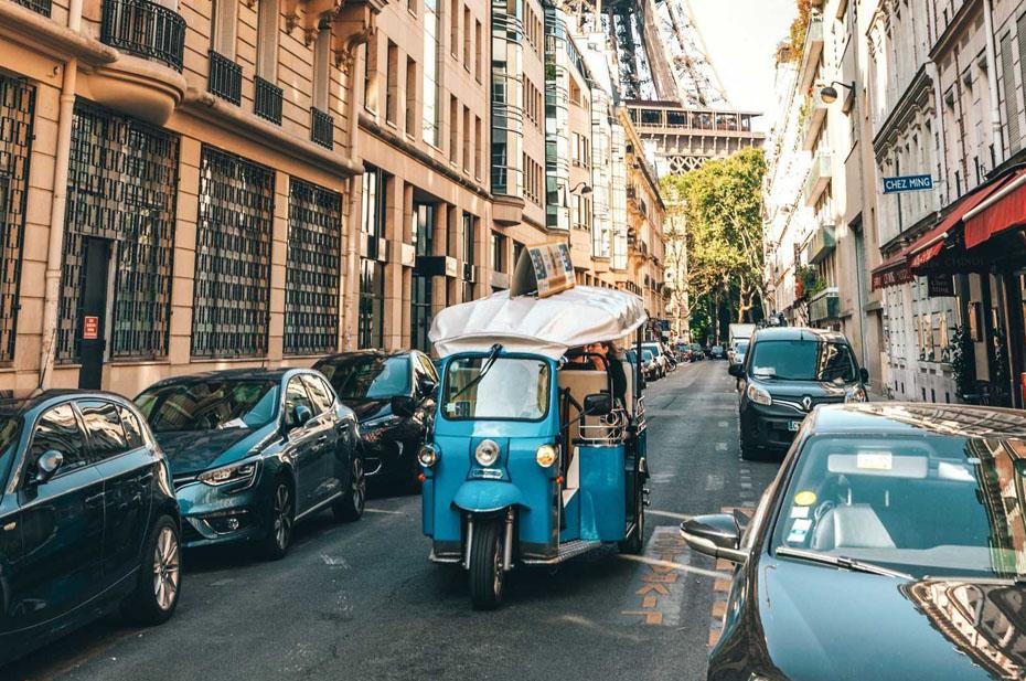 В Париже ограничили скорость движения до 30 километров в час