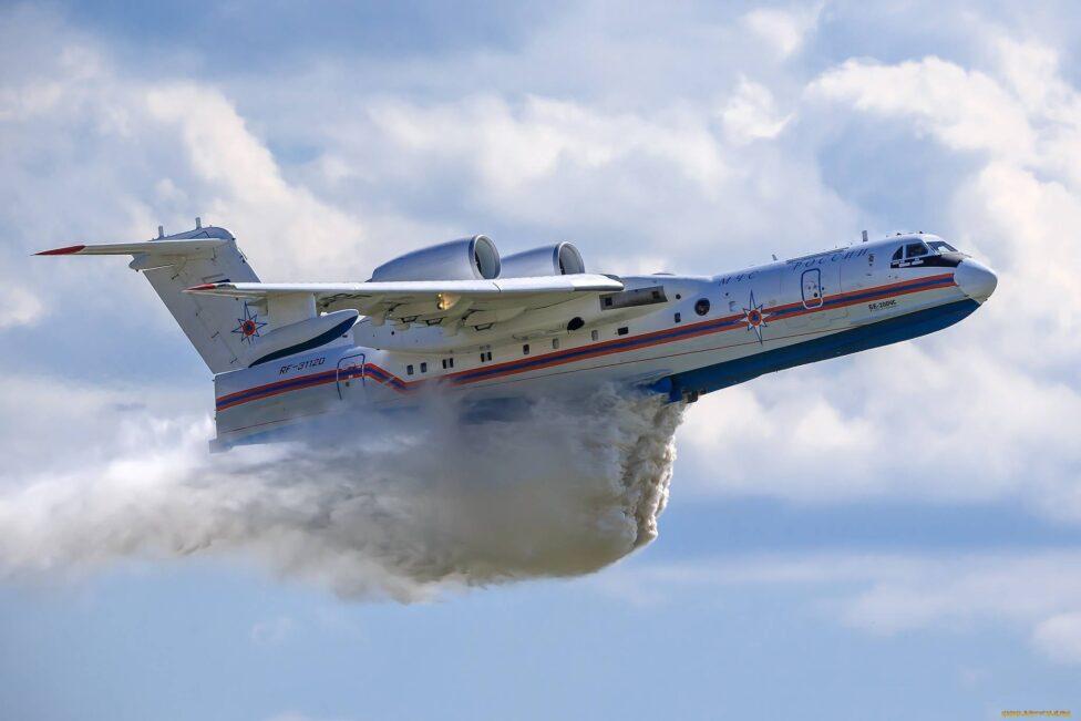 Российский самолет-амфибия Бе-200 разбился в Турции