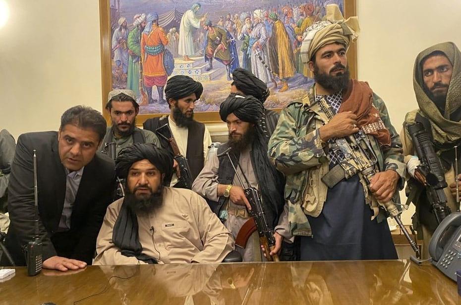 Члены временного правительства «Талибана»* все еще в черных списках США