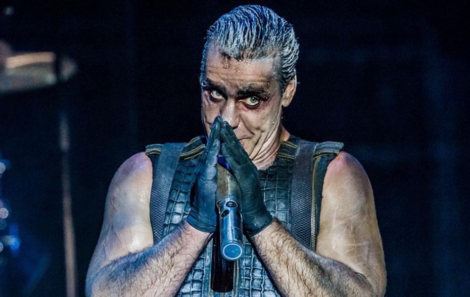 Солист группы Rammstein познакомился с российскими силовиками