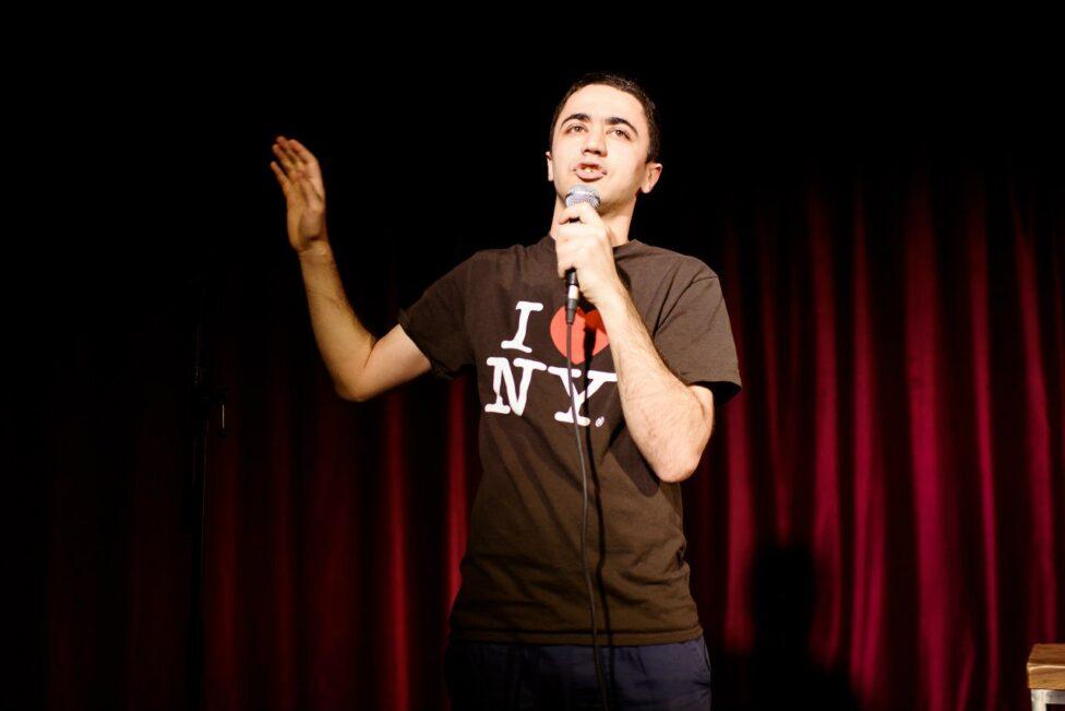 Комики ТНТ оправдали азербайджанского стендапера Идрака, пошутившего про русских, обмазывающихся дерьмом на ночь