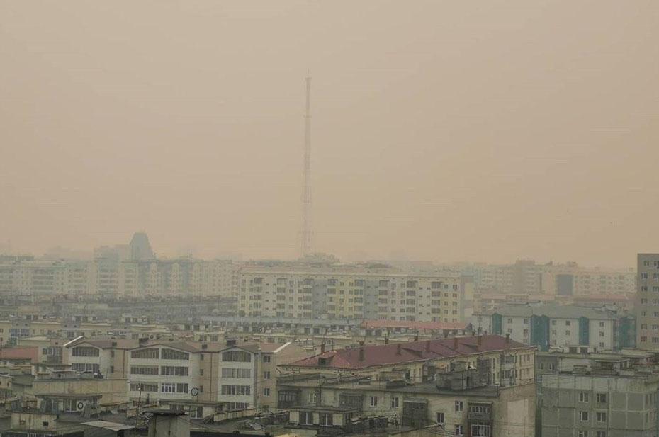 Аэропорт Якутска не принимает самолеты. Город окутан дымом лесных пожаров