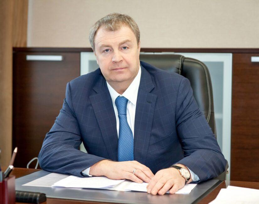 Дело Медведева живо! Депутат Госдумы от «Единой России» объяснил, почему правительство не поднимает МРОТ