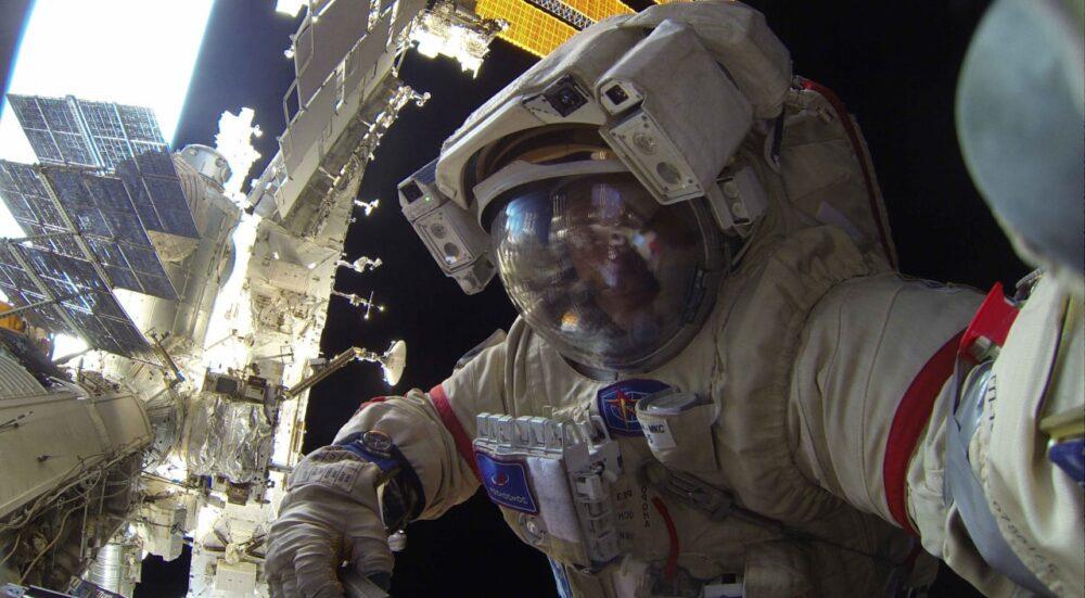 В российском модуле «Звезда» на МКС сработала сигнализация и произошло задымление
