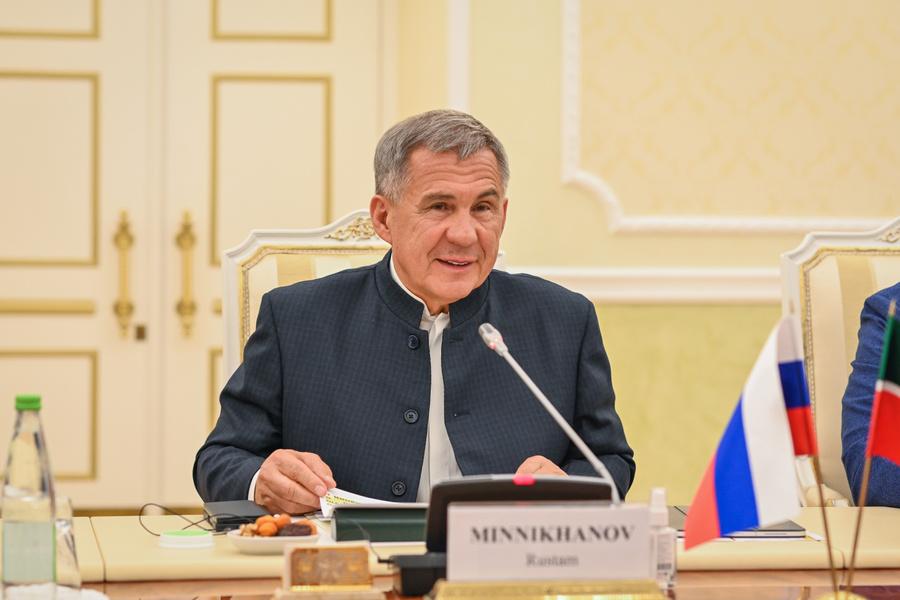 Рустам Манниханов