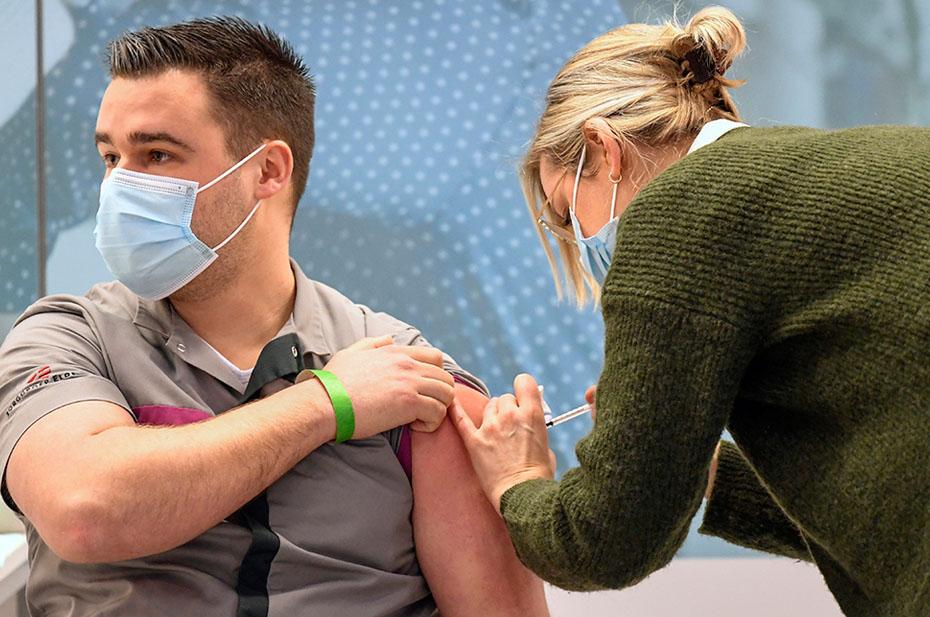 Lancet пишет о бесполезности и опасности массовой ревакцинации от коронавируса