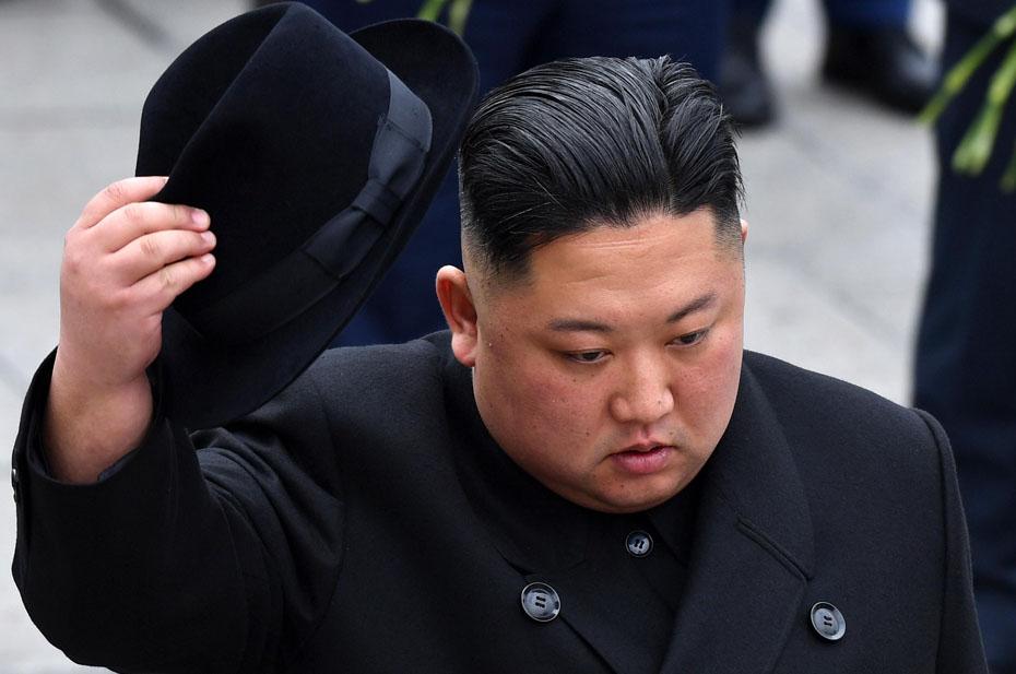 Северная Корея запустила две ракеты в сторону Японии