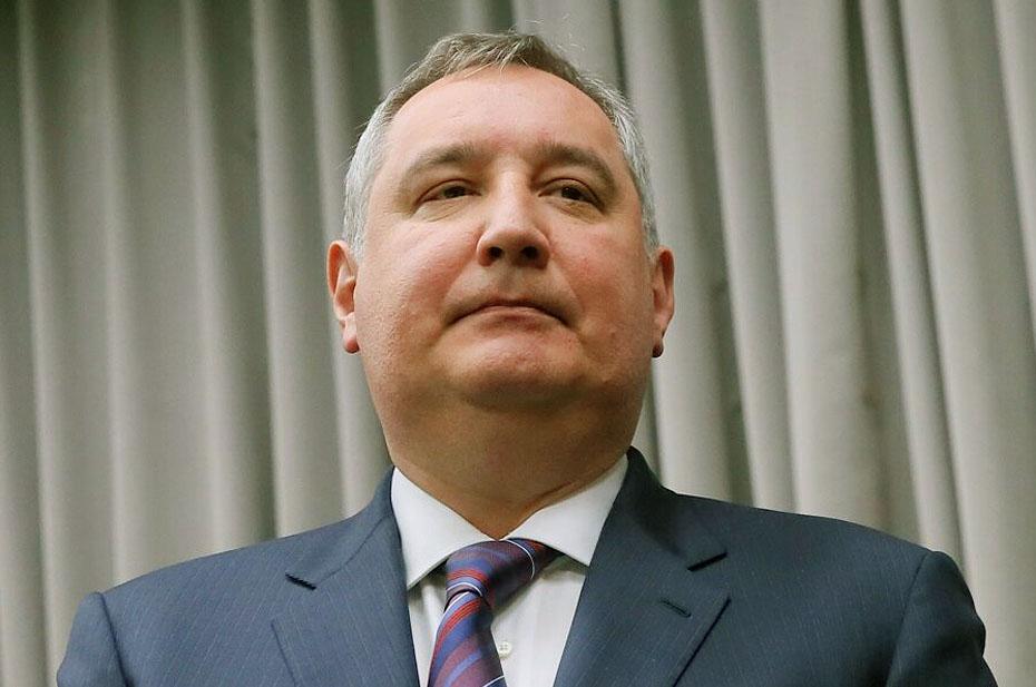 Рогозин определил эмодзи матерным словом